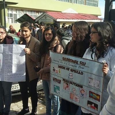 Himachal Pradesh: Doctors continue with 'pen down' strike