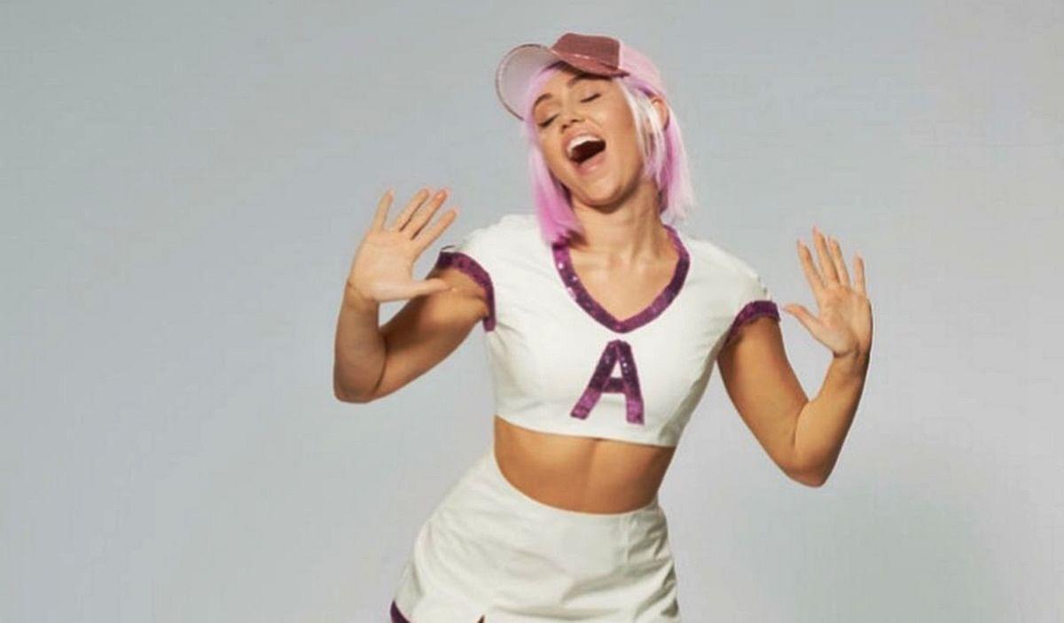 Miley Cyrus changes social media profile name to 'Ashley O'
