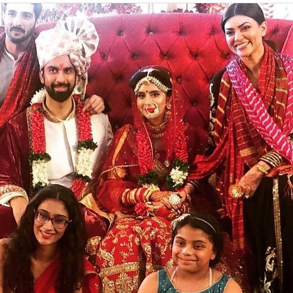 Sushmita Sen-Rohman Shawl pose with Rajeev Sen-Charu Asopa at the latter's Goa wedding