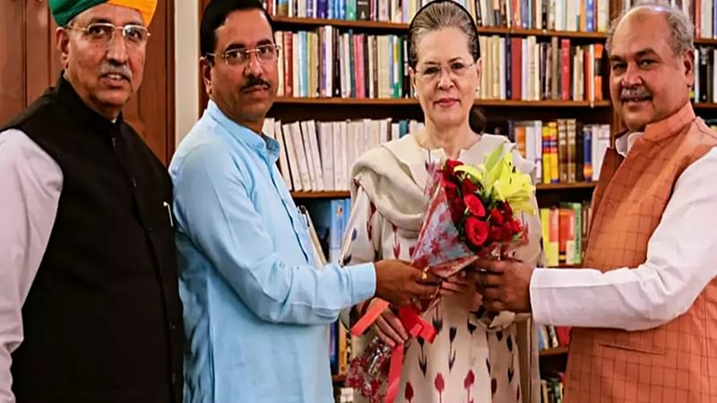 Government approaches Sonia for cooperation in Parliament