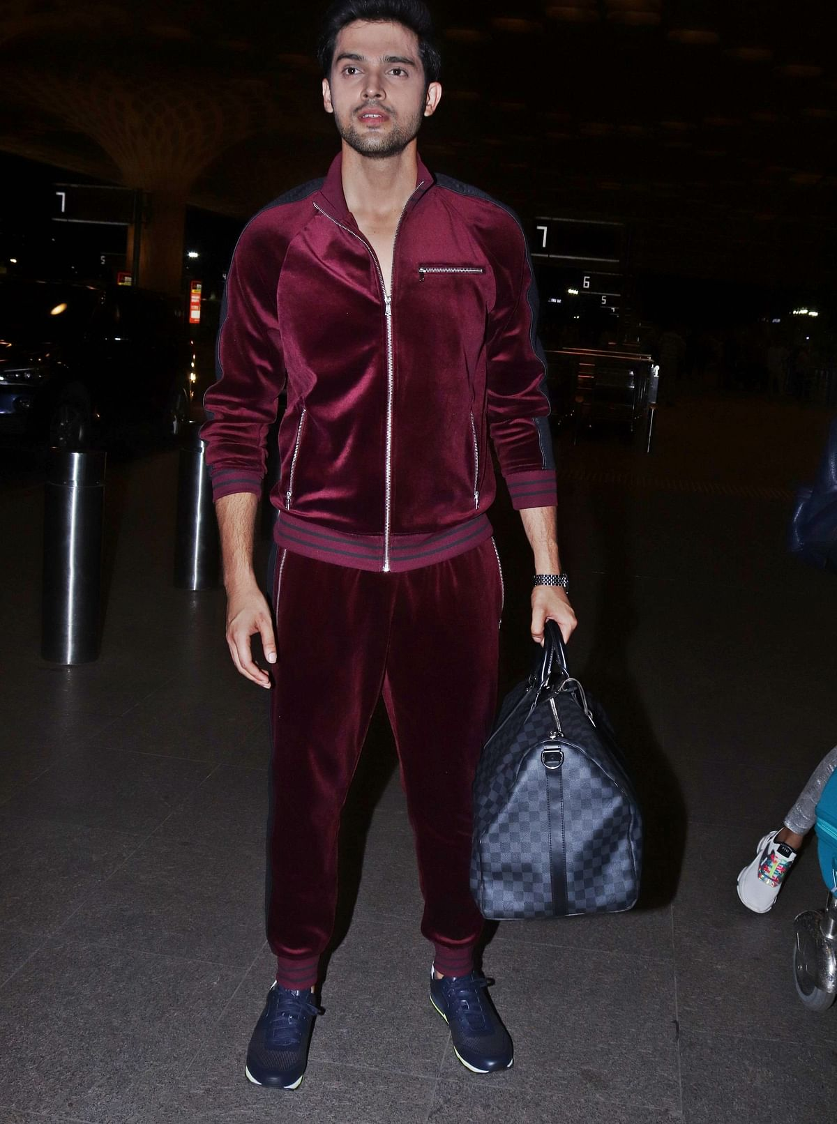 'Kasautii Zindgii Kay 2' star Parth Samthaan completes his airport look with Rs 1.27 Lakh Louis Vuitton bag