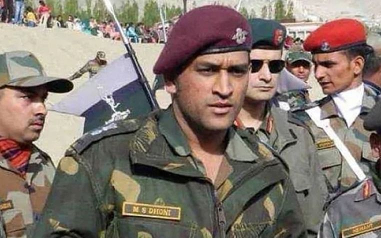 MS Dhoni joins Army troops in militancy-infested south Kashmir on 2-week stint