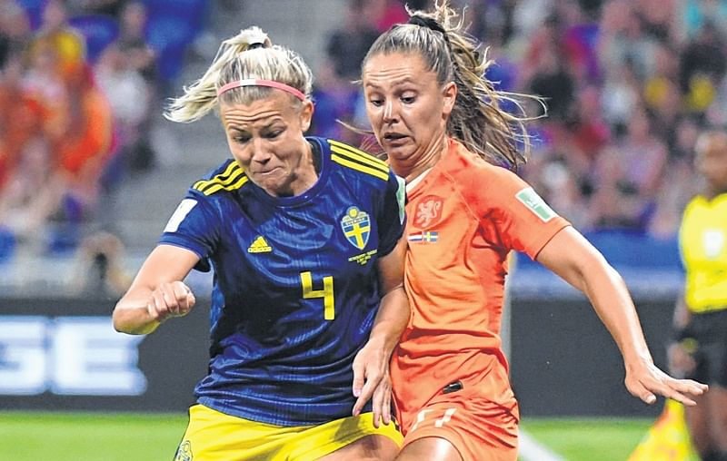 Jackie Groenen anchors the Netherlands into final