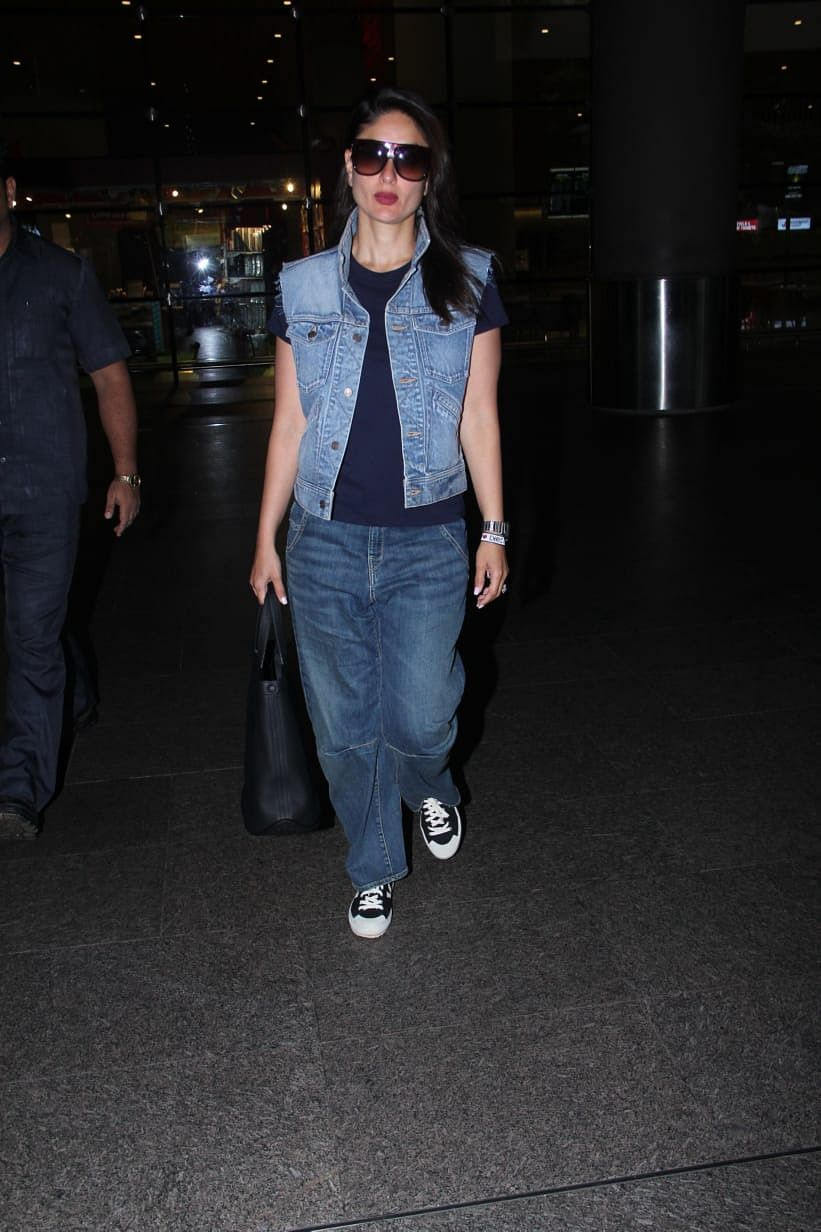 Kareena Kapoor Khan has become a frequent flyer to India and London.  Today paps spotted her at the airport.