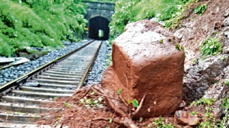 Boulder near Bhor Ghat delays express trains for three hours