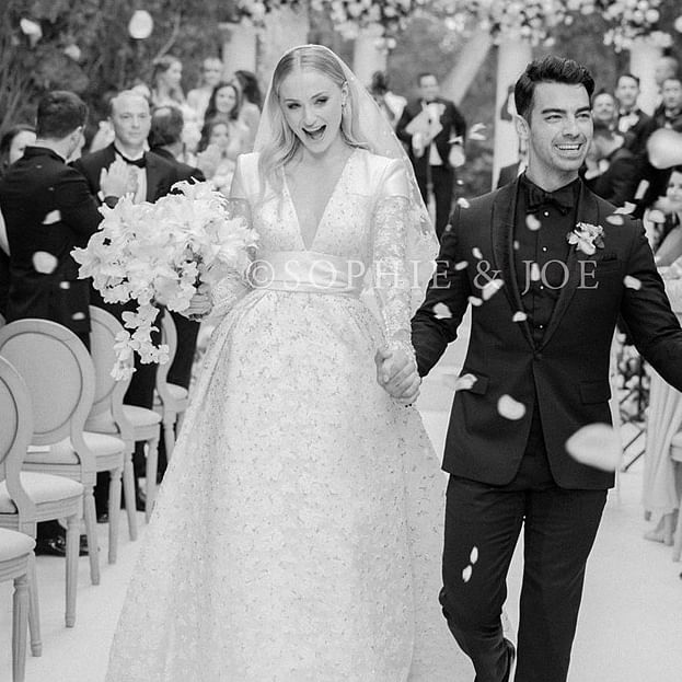 Sophie Turner, Joe Jonas' first photo from wedding is absolutely breathtaking!