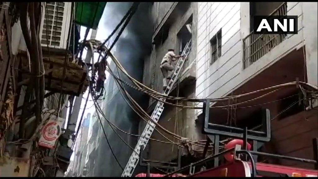 Delhi: Fire breaks out in a factory