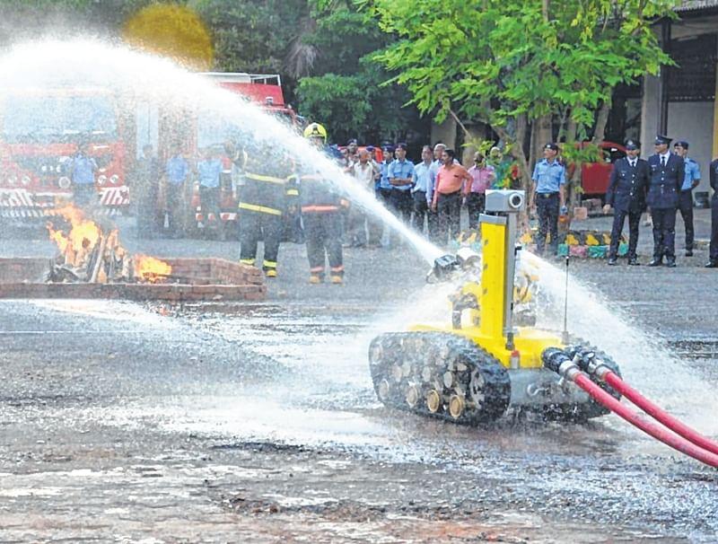 Mumbai: Corporators want fire robot fired