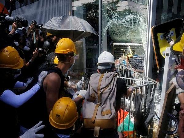 Hong Kong: Amid high tensions, mass pro-democracy march begins