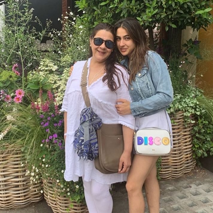 Here's how Sara Ali Khan and Amrita Singh are spenting mother-duaghter time in London