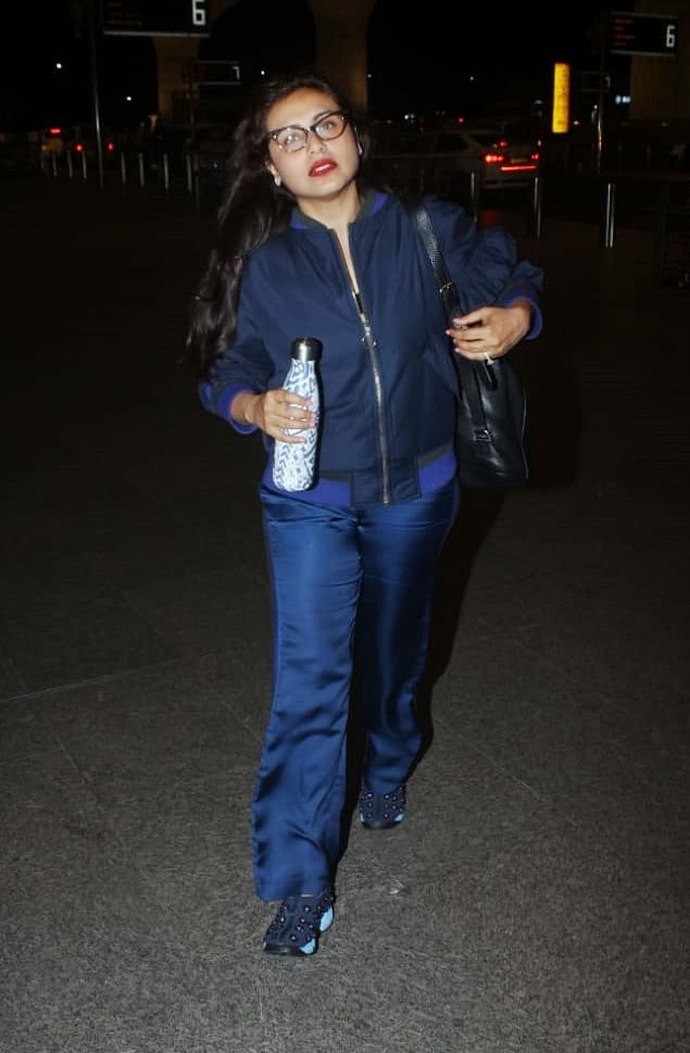 Rani Mukherji Chopra clicked by paps at airport