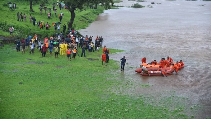 All 1,050 passengers on board Kolhapur-bound Mahalaxmi Express were rescued