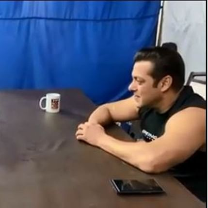 'Little' fan serenades Salman Khan with Stevie Wonder song