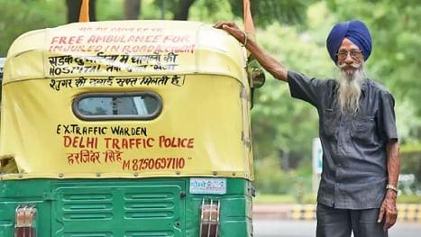 "Harjinder Singh, the 76-year-old who runs an ""auto ambulance"" in Delhi"