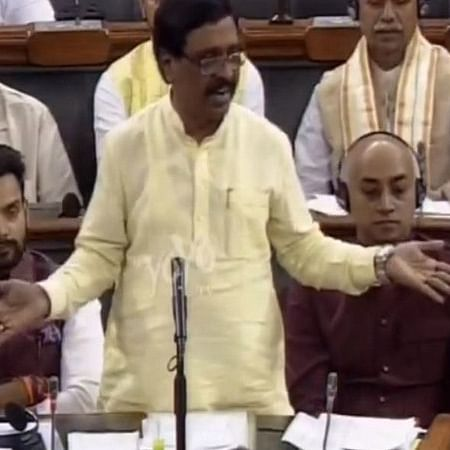 Shiv Sena lawmaker compares Modi to Lord Krishna, calls him Muslims women's saviour