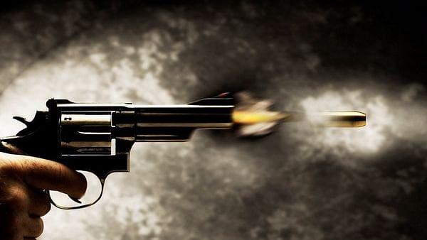 2 masked men fire at Andheri petrol pump & flee