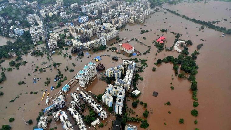 Mumbai Rains: Hotel patrons in hot spot, rescued