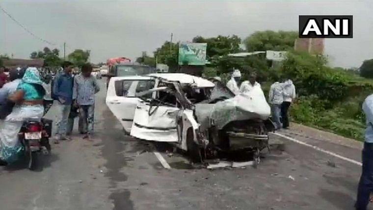 Uttar Pradesh: Truck rams into car carrying Unnao rape survivor, family; 2 killed