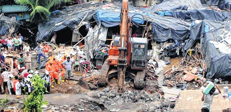 Malad wall collapse: 2 more bodies pulled out, locals are just livid
