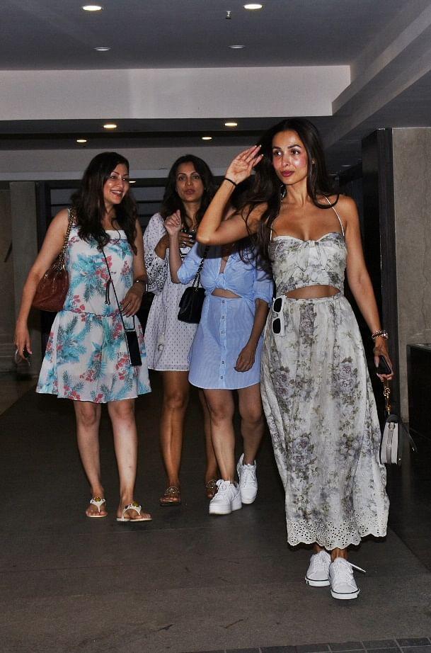 Malaika Arora with Aditi Govitrikar and with her girl gand at Bandra.
