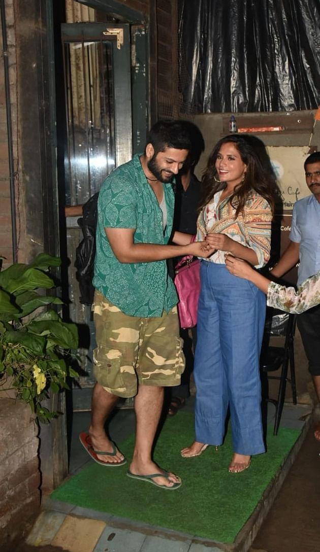 Cuople Richa Chaddha and Ali Fazal clicked by shutterbugs outside Pali Cafe, Bandra