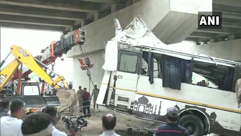 Agra bus accident: President Ram Nath Kovind, PM Modi express condolences