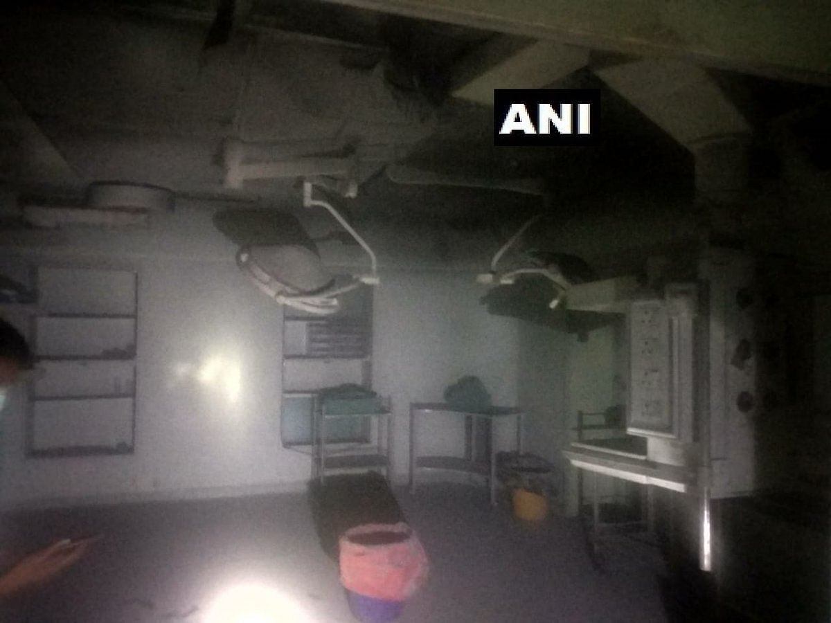 Delhi: Fire breaks out in hospital, six patients rescued