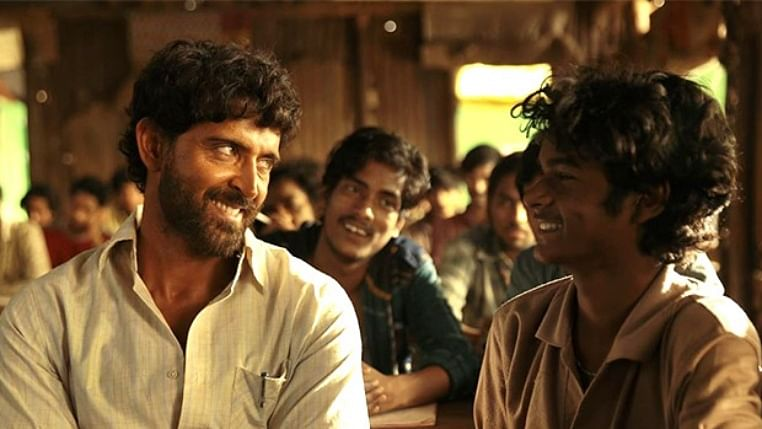 B-town goes gaga over Hrithik Roshan's performance in 'Super 30'