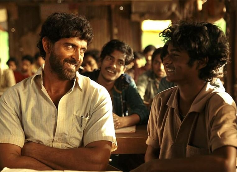 Hrithik Roshan grooving with Super 30 kids is going to add all the sunshine to your day!