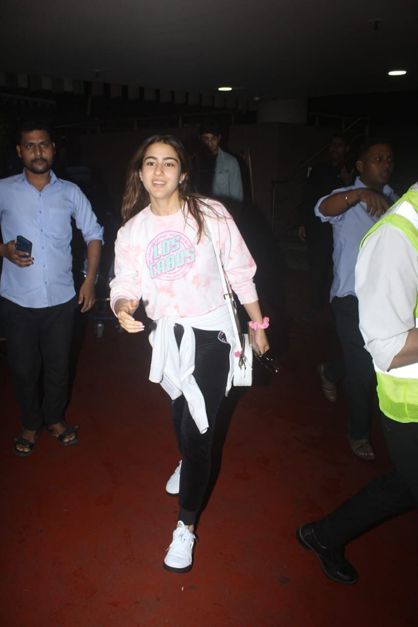 Mumbai airport witnessed Sara Ali Khan who went on vacation with her mom Amrita Singh and brother Ibrahim.