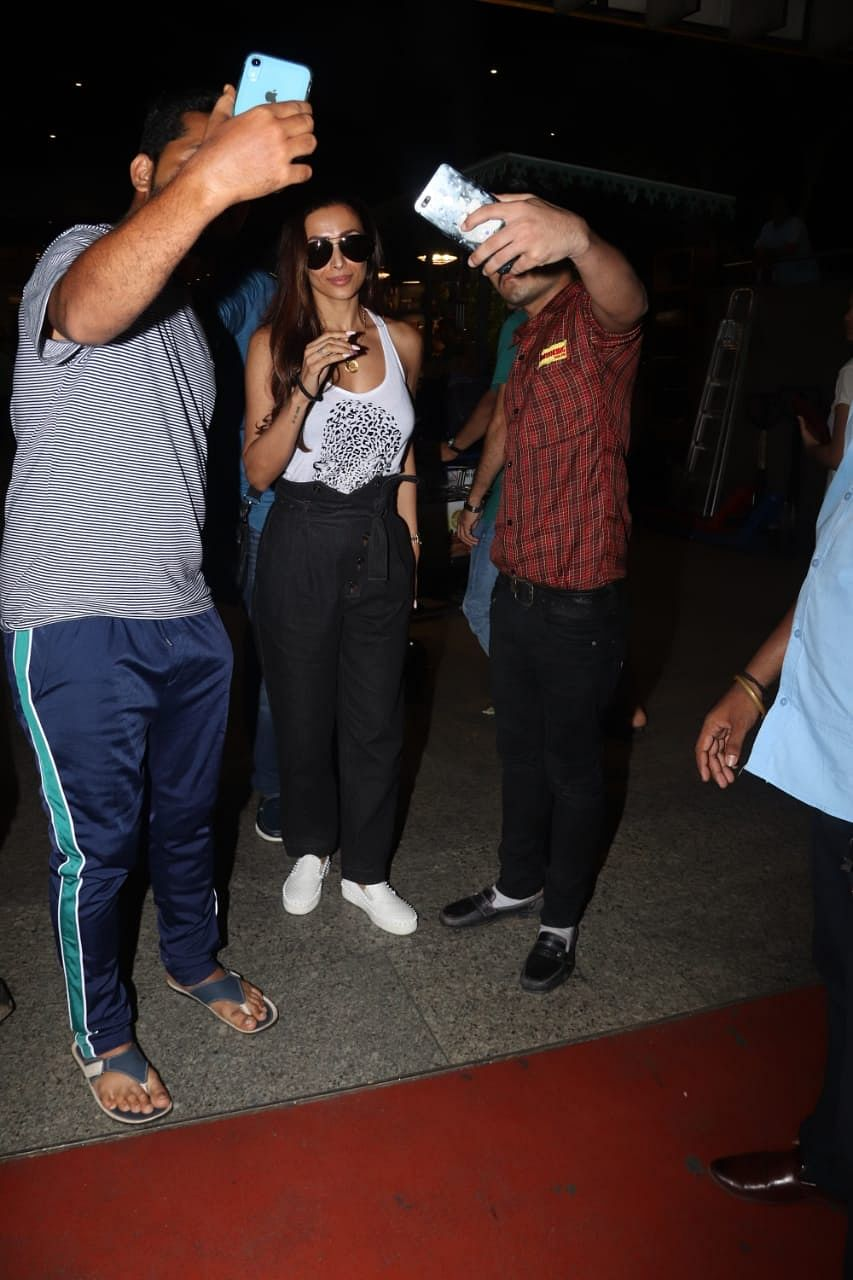 Malaika Arora was also seen on airport as she returns from her very recent Maldives vacation which she enjoyed with her girl squad.