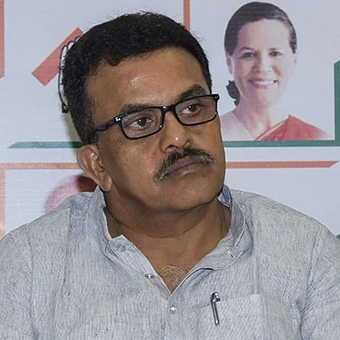 Milind Deora's resignation on expected lines: Sanjay Nirupam