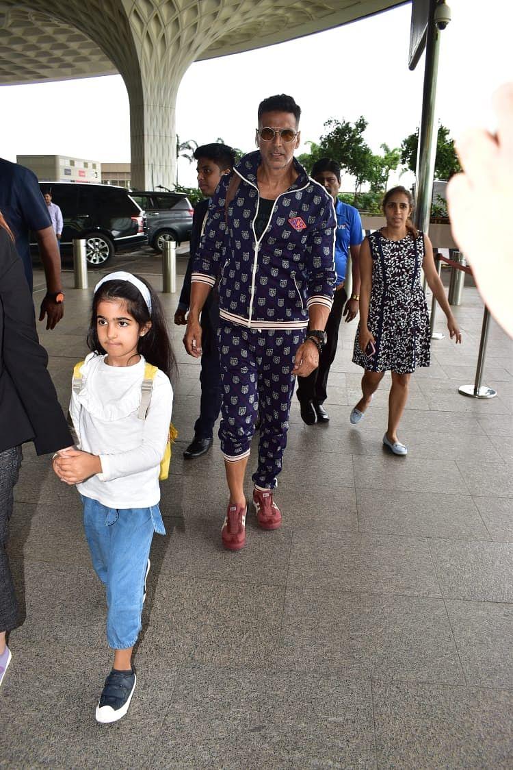 Khiladi Akshay Kumar with Daughter Nitara at airport.