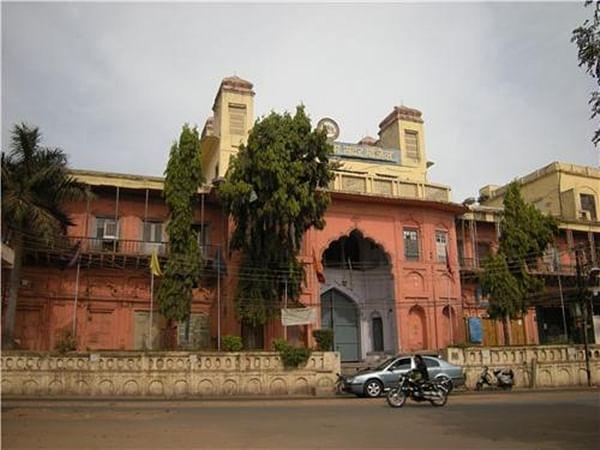 Bhopal: BMC's selective anti-encroachment campaign comes under criticism