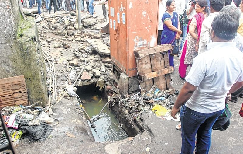 Toddler steps out to play, only to end in an open gutter manned by BMC