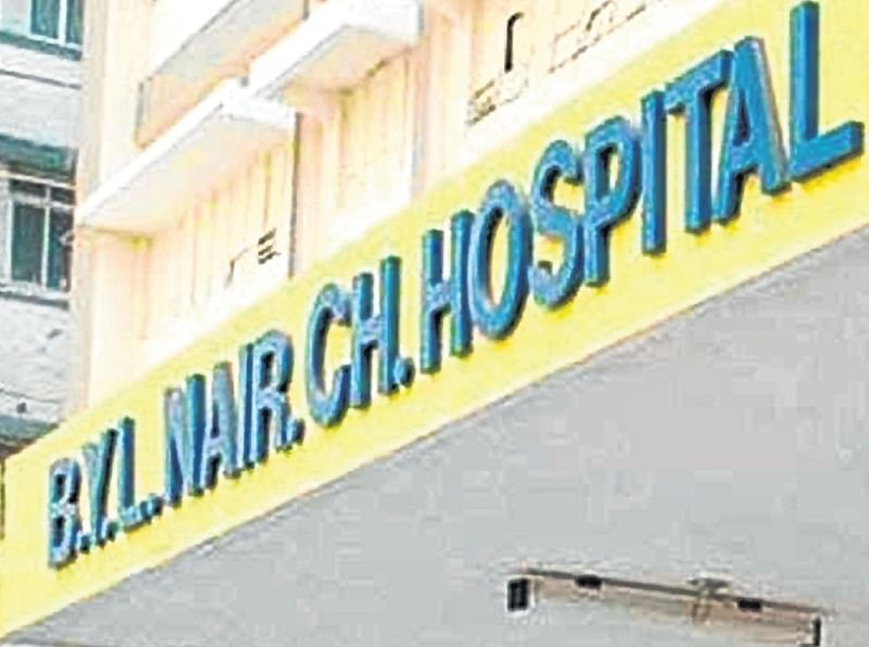 Mumbai: Dead man's kin assaults Nair doctors