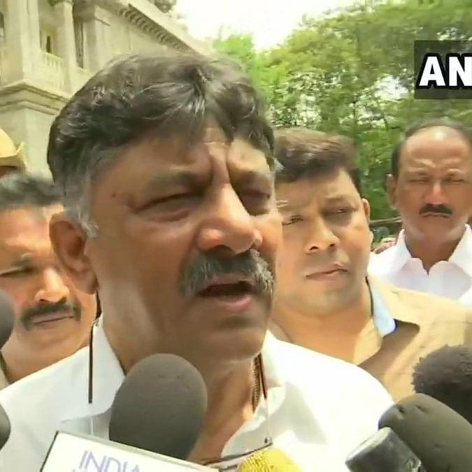 DK Shivakumar tests corona ve; tally nears 3 lakh in Karnataka