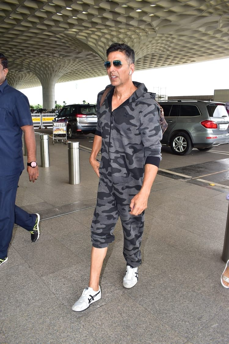 Akshay Kumar at International Airport in Mumbai