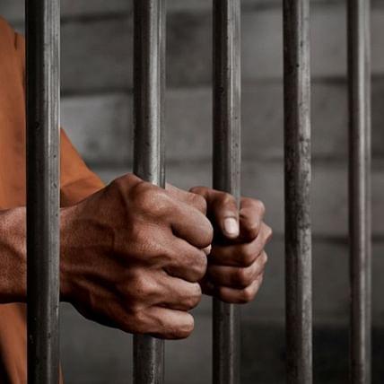 Mumbai: Trio attack a man for refusing cigarettes; Crime branch arrested