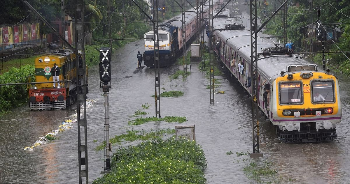 Mumbai rains: Waterlogging disrupts WR services, leaves commuters in a tizzy