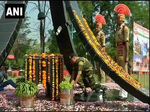 BSF personnel paid tributes to Kargil war heroes at Humhama base camp