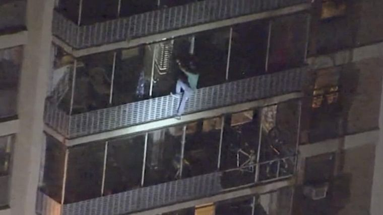 Video of Philadelphia man scaling down 19-storey building to escape fire goes viral