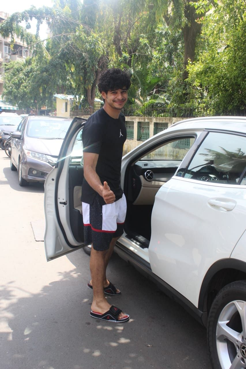Ishan Khatter all smiles to paps.