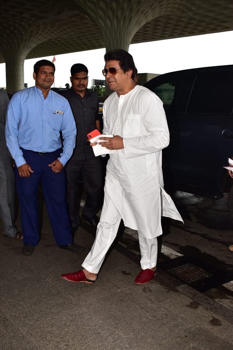 MNS leader and politician Raj Thackrey clicked at Mumbai airport this morning with his son Amit Thackrey.