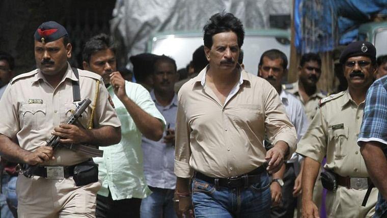 "Encounter specialist"" Pradeep Sharma  in Shiv Sena"