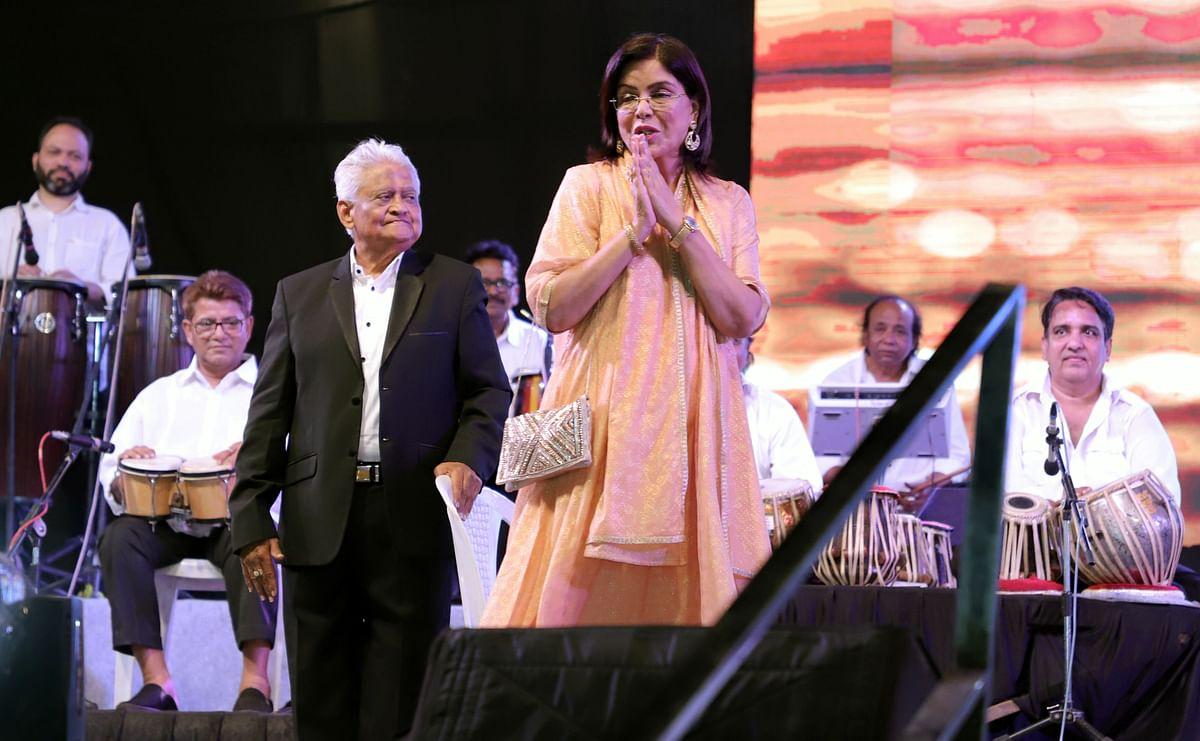 Pyarelal & Zeenat Aman