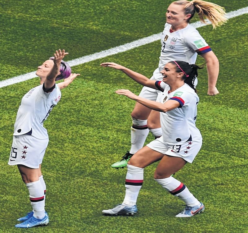 World Cup champions: USA eves sink Dutch for gold