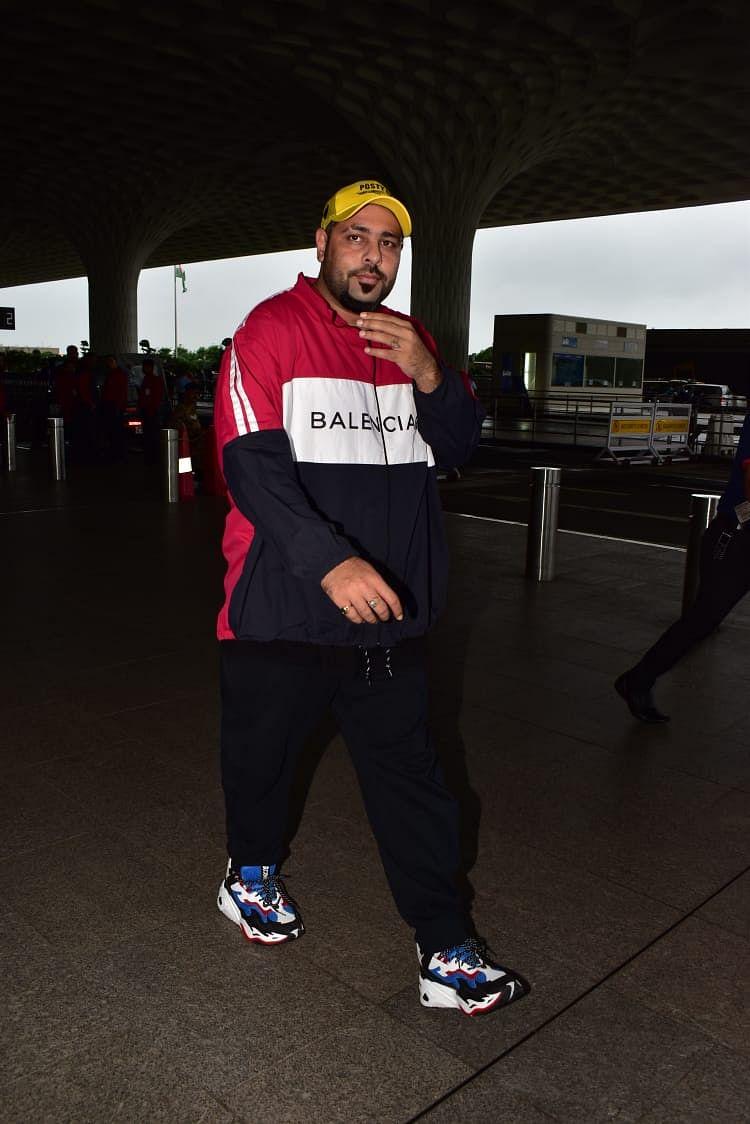 Celebrity Spotting: Akshay Kumar, Sonakshi Sinha, and others captured by shutterbugs