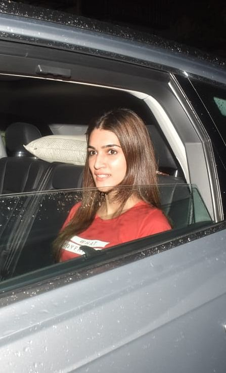 Kriti Sanon was snapped while she was on her way to Maddock Office in Mumbai.