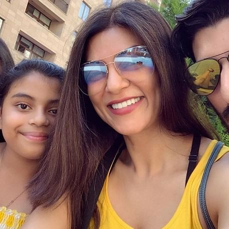 Sushmita Sen posts 'family selfie' with beau Roman Shawl